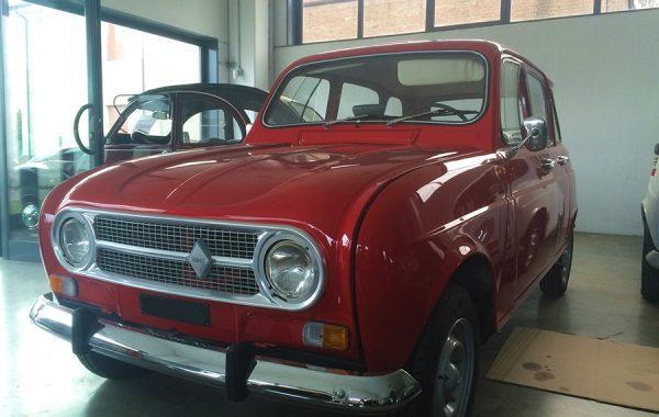 Restauro Renault 4 d'epoca